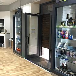 PCMarket showroom